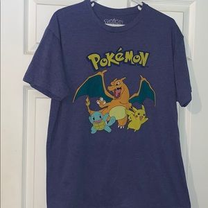 Vintage 2000 's Pokemon Tshirt charizard pikachu